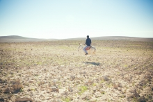 Beduin gyerek a végtelenben