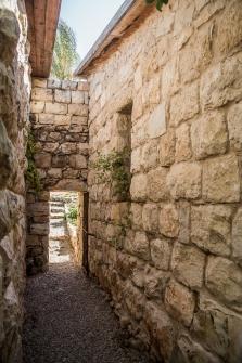 הקפדו על בנייה אקולוגית ועל כללי השימור של מבנים היסטוריים